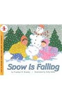 9780812447446: Snow Is Falling (Let's Read-And-Find-Out Science)