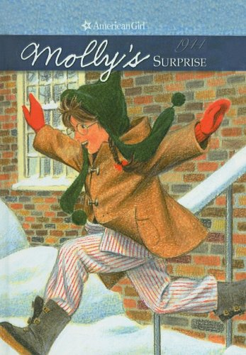 Molly's Surprise: A Christmas Story (American Girl): Valerie Tripp