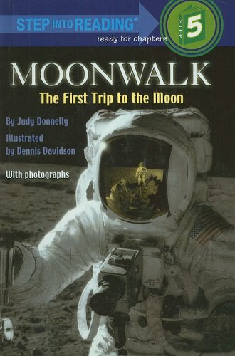 9780812476583: Moonwalk: The First Trip to the Moon (Step Into Reading: A Step 5 Book)