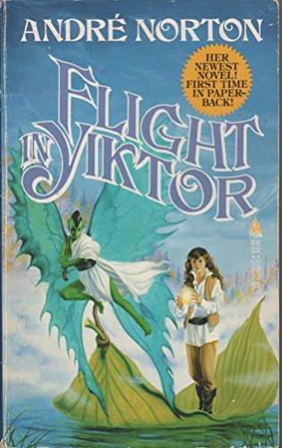 9780812547214: Flight in Yiktor (Moon Singer)