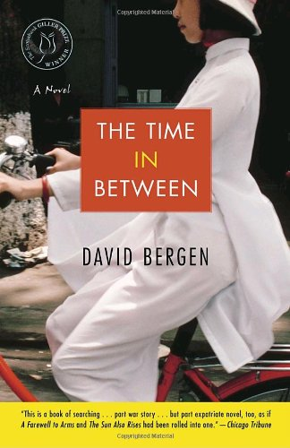 9780812972474: The Time In Between: A Novel