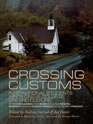 9780815333951: Crossing Customs: International Students Write on U.S. College Life and Culture (RoutledgeFalmer Studies in Higher Education)