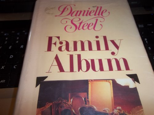 9780816138593: Family Album (G K Hall Large Print Book Series)
