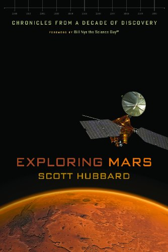 9780816521111: Exploring Mars: Chronicles from a Decade of Discovery