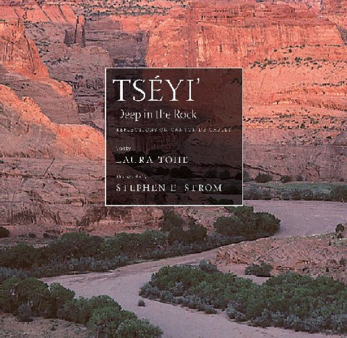 9780816523719: Tséyi' / Deep in the Rock: Reflections on Canyon de Chelly (Sun Tracks)