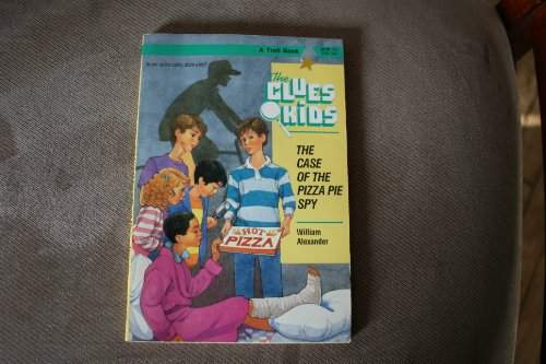 9780816716999: The Case of the Pizza Pie Spy (Clues Kids)