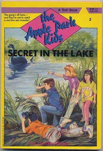 9780816717118: Secret in the Lake (Apple Park Kids)