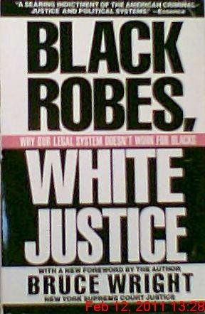 9780818405235: Black Robes, White Justice Wright Bruce