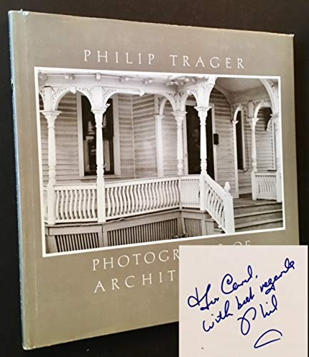 9780819550033: Photographs of Architecture
