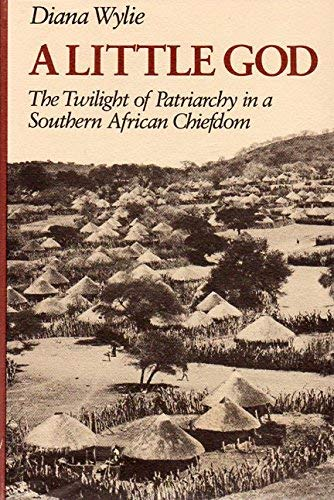 9780819552280: A Little God: The Twilight of Patriarchy in a Southern African Chiefdom
