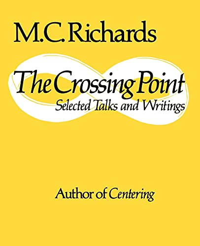 9780819560292: The Crossing Point: Selected Talks and Writings