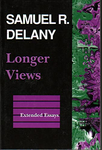9780819562937: Longer Views: Extended Essays
