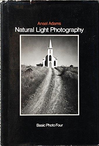9780821207192: Basic Photo: Natural Light Photography v. 4