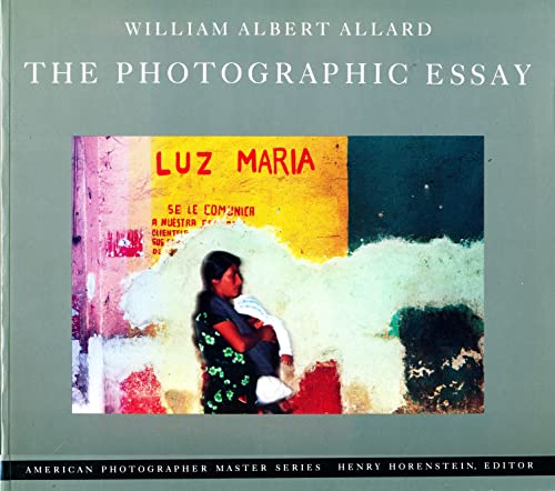 9780821217351: Photographic Essay (American photographer master series)