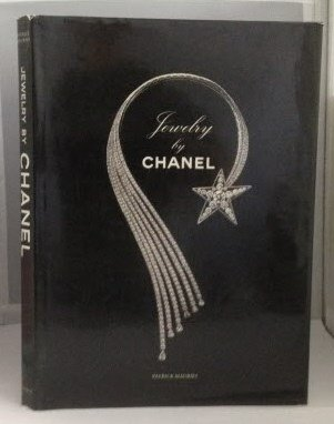 9780821219607: Jewelry by Chanel