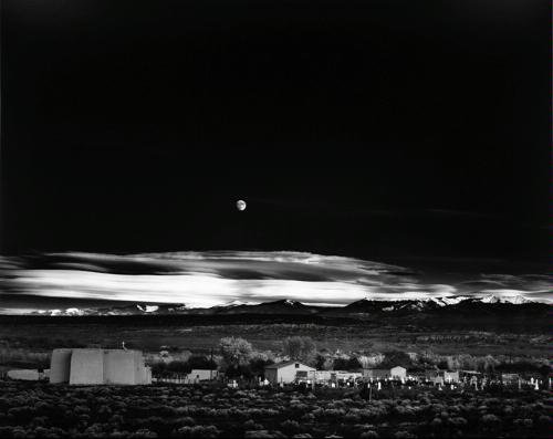 9780821224144: Moonrise, Hernandez, New Mexico, 1941