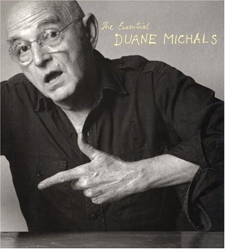 9780821224632: The Essential Duane Michals