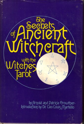 9780821602218: The Secrets of Ancient Witchcraft - With the Witches Tarot