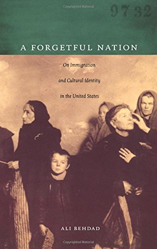 9780822336198: A Forgetful Nation: On Immigration and Cultural Identity in the United States