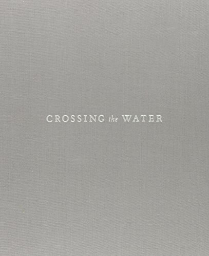 9780822340201: Crossing the Water: A Photographic Path to the Afro-Cuban Spirit World