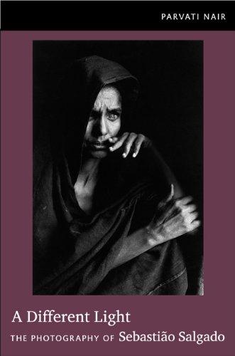 9780822350484: A Different Light: The Photography of Sebastião Salgado