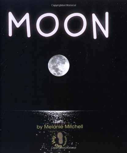 9780822501886: Moon (First Step Nonfiction) (First Step Nonfiction (Hardcover))