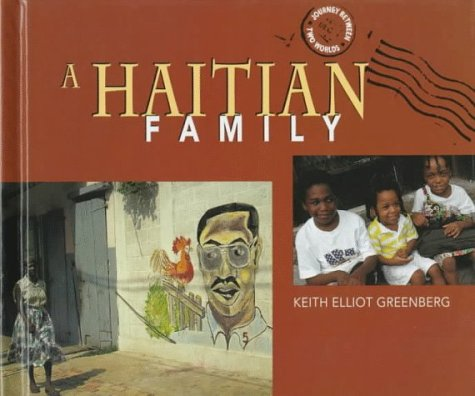 9780822534105: A Haitian Family (Journey Between Two Worlds)