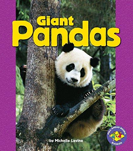9780822558385: Giant Pandas (Pull Ahead Books) (Pull Ahead Books: Animals)