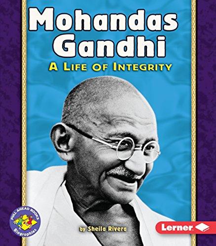 9780822564324: Mohandas Gandhi (Pull Ahead Books (Paperback))