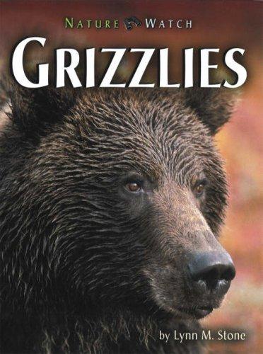 9780822566014: Grizzlies (Nature Watch (Lerner))