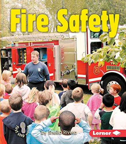 9780822568209: Fire Safety (First Step Nonfiction Safety)