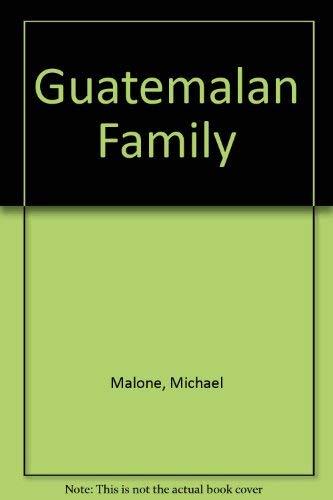 9780822597421: Guatemalan Family