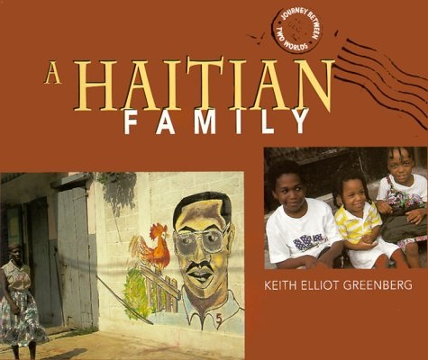 9780822597766: A Haitian Family (Journey Between Two Worlds)