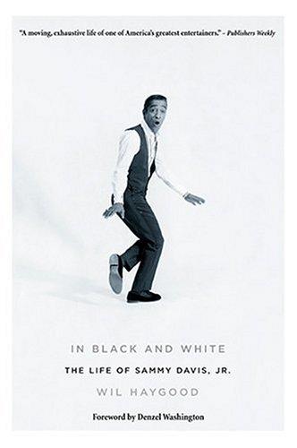 9780823083954: In Black and White: The Life of Sammy Davis Jr
