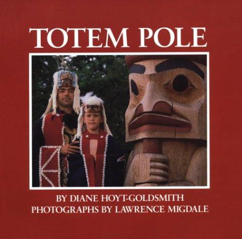 9780823408092: Totem Pole