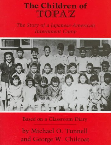 9780823412396: The Children of Topaz: The Story of a Japanese-American Internment Camp Based on a Classroom Diary