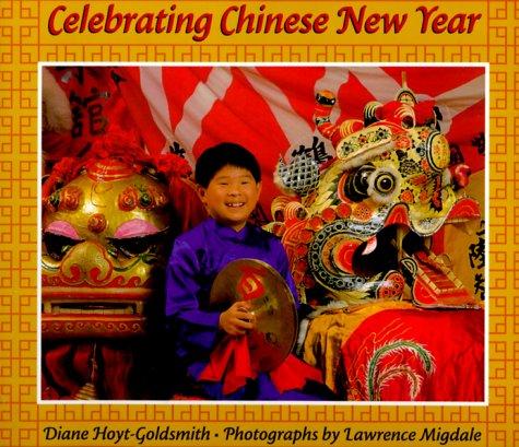 9780823415205: Celebrating Chinese New Year