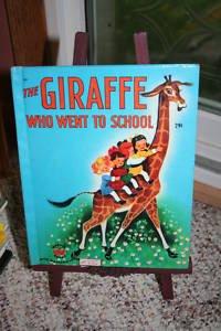9780824105518: The Giraffe who went to school