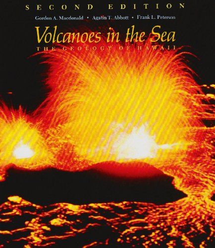 9780824808327: Volcanoes in the Sea: The Geology of Hawaii