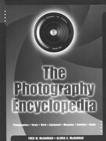 9780825672637: The Photography Encyclopedia
