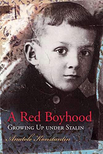 9780826220943: A Red Boyhood: Growing Up Under Stalin