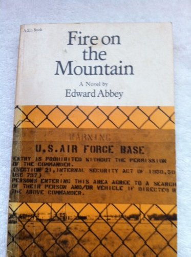 9780826304575: Fire on the Mountain (A Zia book)