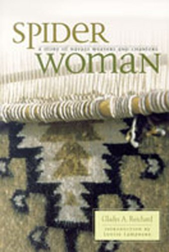 9780826317933: Spider Woman: A Story of Navajo Weavers and Chanters