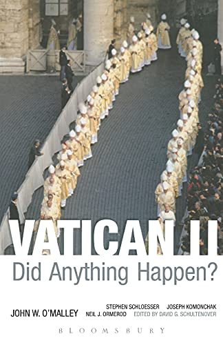 9780826428905: Vatican II: Did Anything Happen?