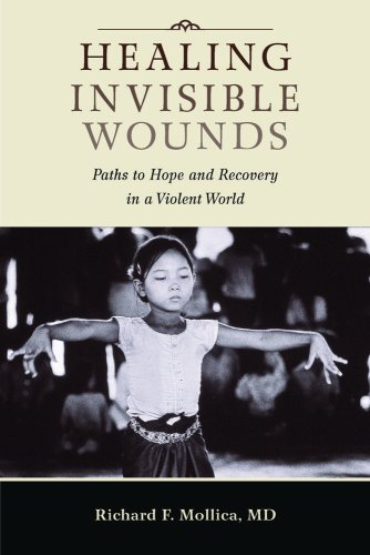 9780826516411: Healing Invisible Wounds: Paths to Hope and Recovery in a Violent World