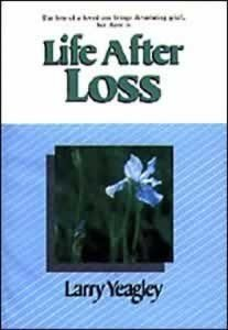 9780828003872: Life After Loss