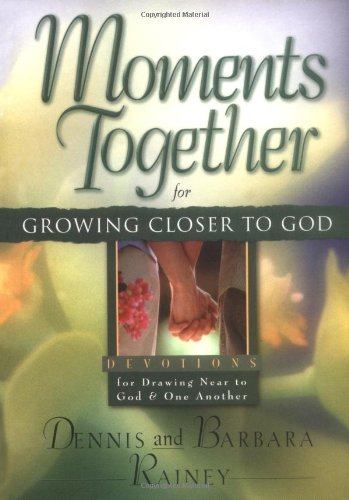9780830732500: Moments Together for Growing Closer to God: Devotions for Drawing Near to God & One Another