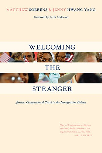 9780830833597: Welcoming the Stranger: Justice, Compassion & Truth in the Immigration Debate