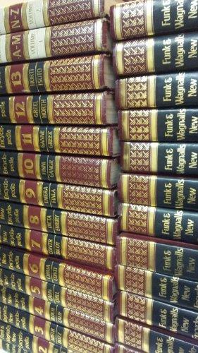 Funk & Wagnalls New Encyclopaedia: BRAM, Leon L. & Robert S. Phillips & Norma H. Dickey (...