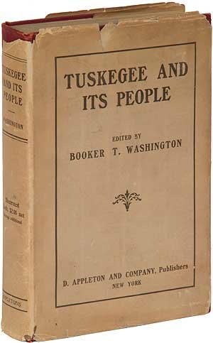 9780836988352: Tuskegee and Its People: Their Ideals and Achievements (The Black heritage library collection)